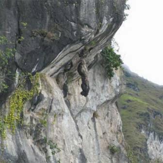 Cerita Legenda dan cerita rakyat Nusantara tentang Legenda Batu Menangis