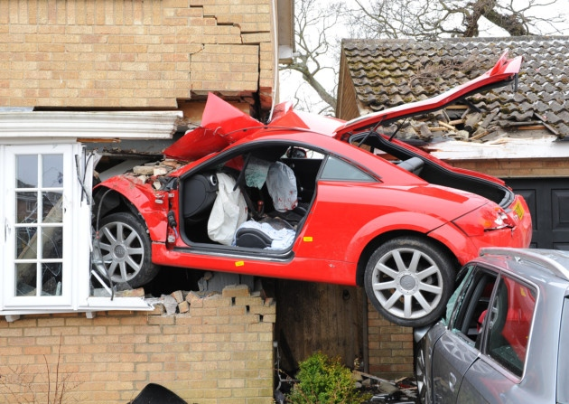 Cars pictures Lowestoft car crash