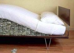 Οδηγός επιβίωσης για όσους έχουν κρύψει τα λεφτά τους στο σπίτι