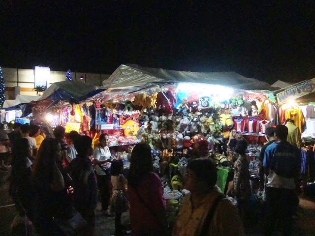 Greenhills Christmas On Display Show, Market Stalls