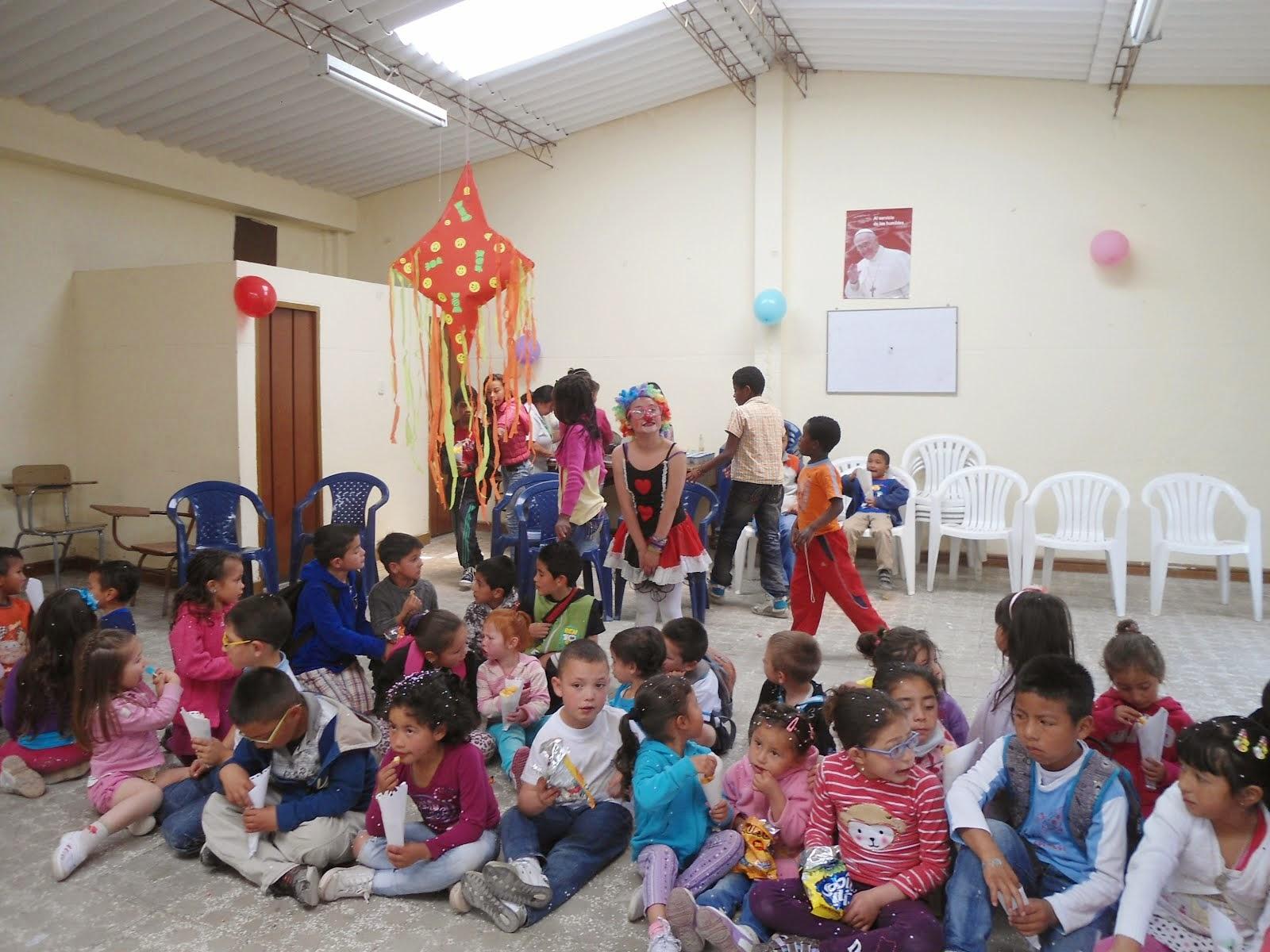 Recreo con los niños de Usminia