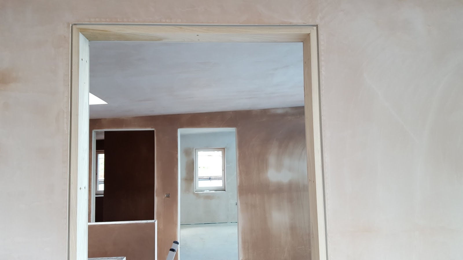 how to fix a gap in door frame