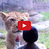 Αστείες στιγμές από παιδιά στο ζωολογικό κήπο.