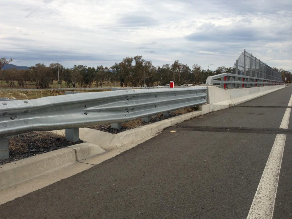 Barandas y barreras de caminos y puentes ingenier a de for Barandas de seguridad