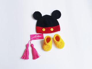 crochet baby hat, crochet baby beanie, crochet baby booties, topi rajut, topi rajut bayi, topi rajutan, sepatu rajut, sepatu rajut bayi, sepatu rajutan, topi dan sepatu rajut bayi, topi rajut karakter, topi rajut karakter hewan, topi rajut sapi, topi rajut babi, topi rajut jerapah, topi rajut mickey mouse, rajutmerajut