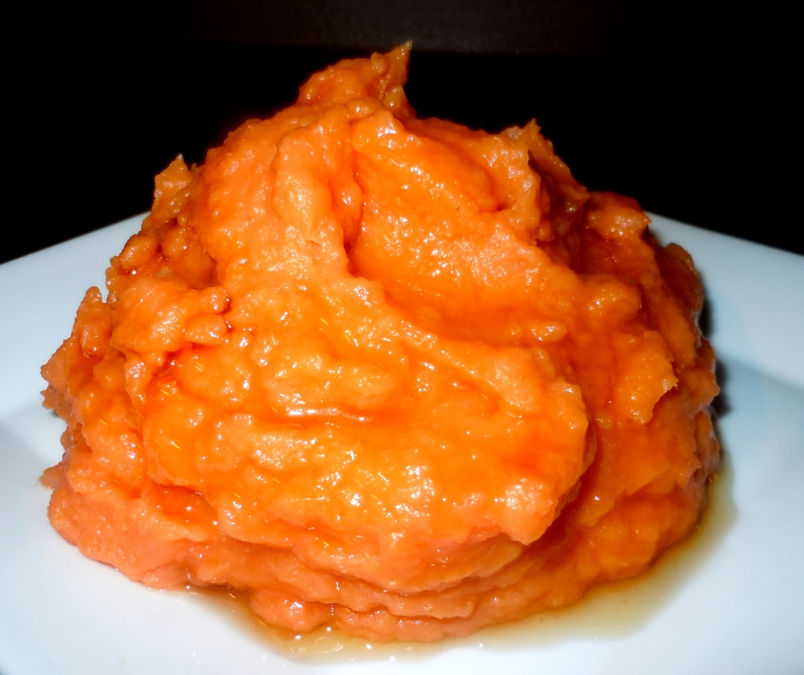 ... and Entertaining with Leah: Mashed Sweet Potatoes with Maple Syrup