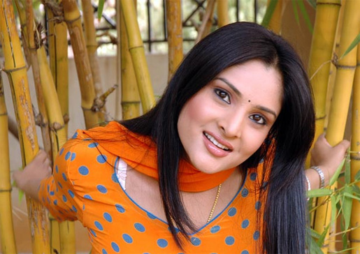 fake nude images of ramya divya spandana rar