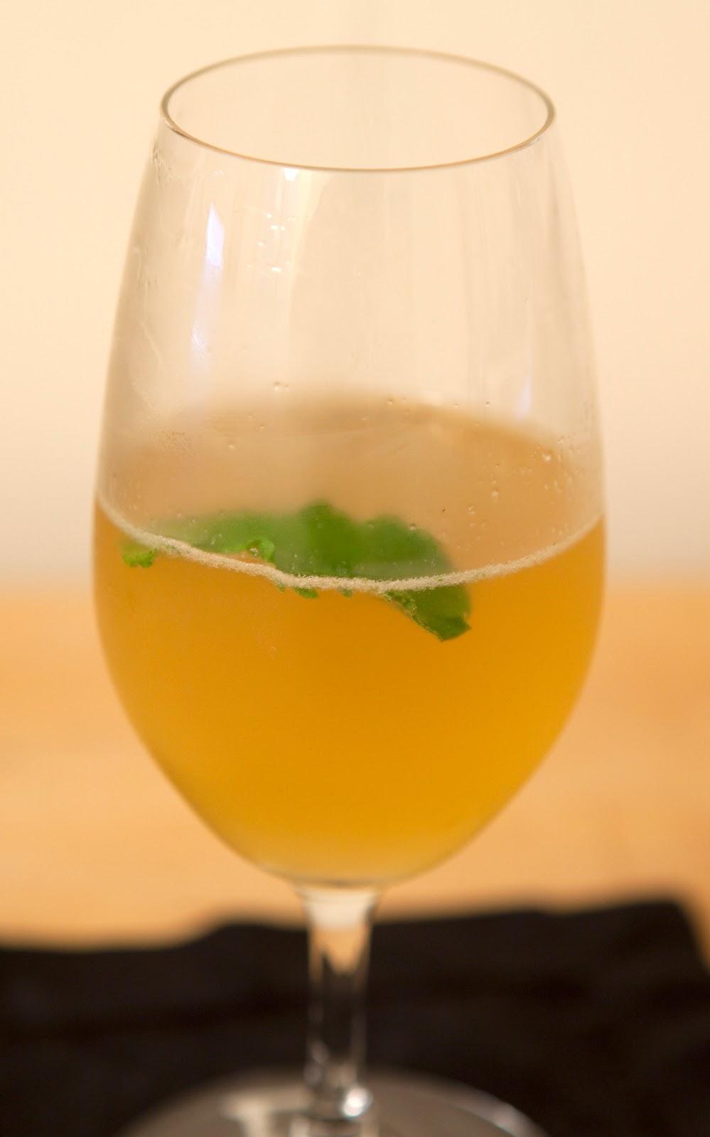 Liqueur de verveine cocktail dress