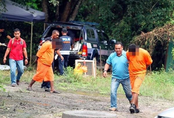 Dua Suspek Utama Dibawa Ke Lokasi Kes Bunuh dan Bakar di Perak