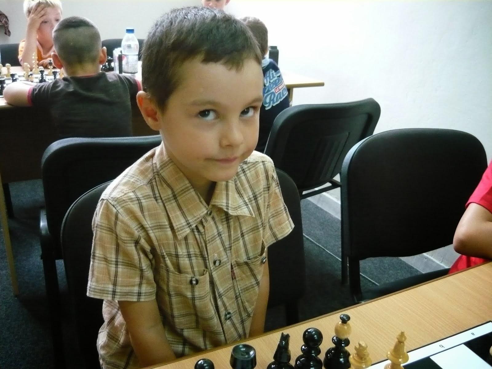 VĂTĂȘELU ROBERT - ANDREI