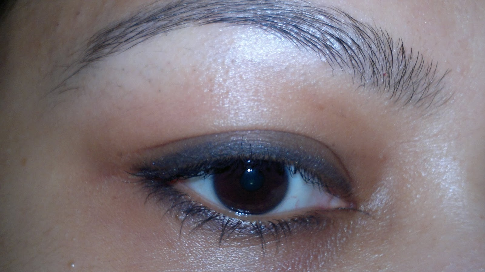 Daily eye makeup