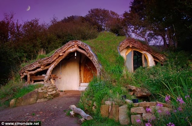 Man Builds Fairy Tale Home for His Family – Total Cost £3,000 - Hobbit Home