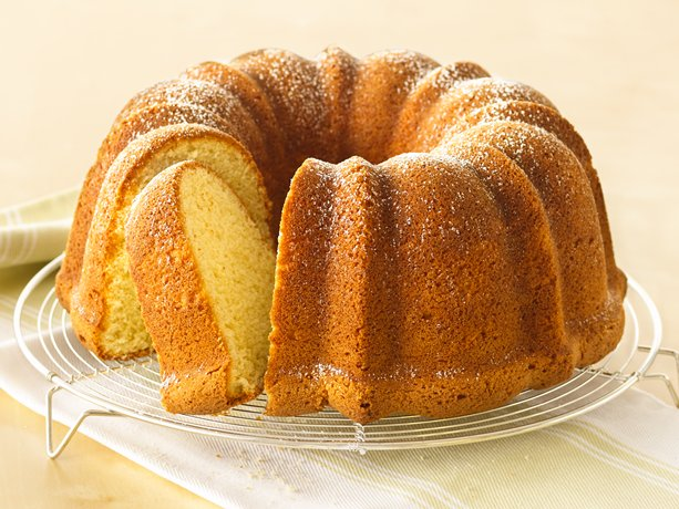 Travel Truth 101: Cream Cheese Pound Cake Recipe