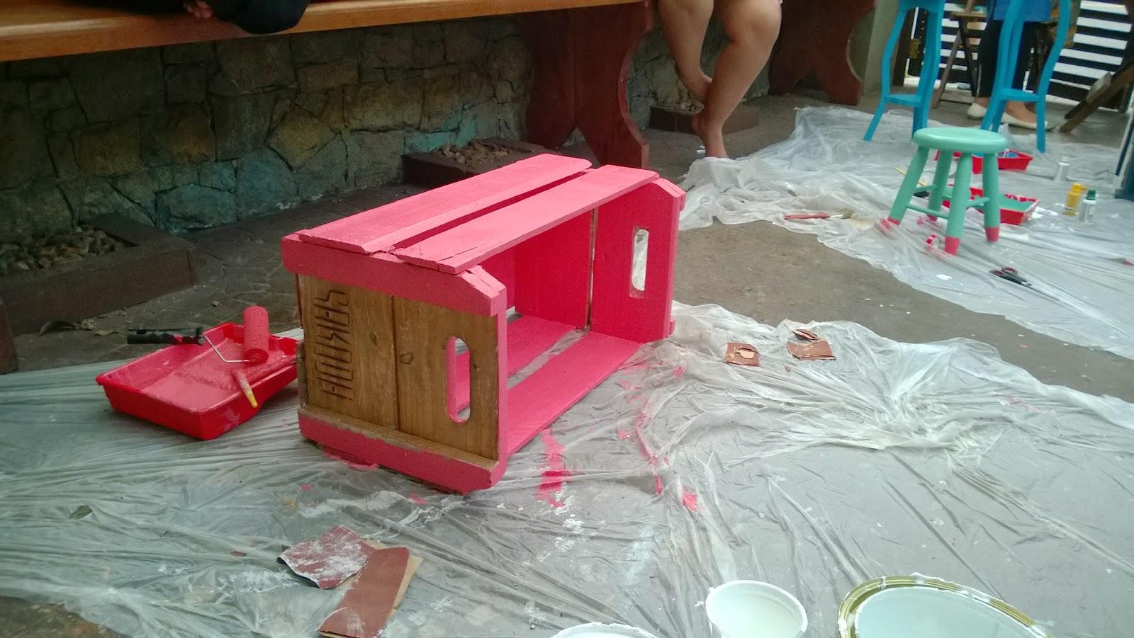 caixote de madeira com rosa - oficina Mão na Massa - blog Casa de Colorir