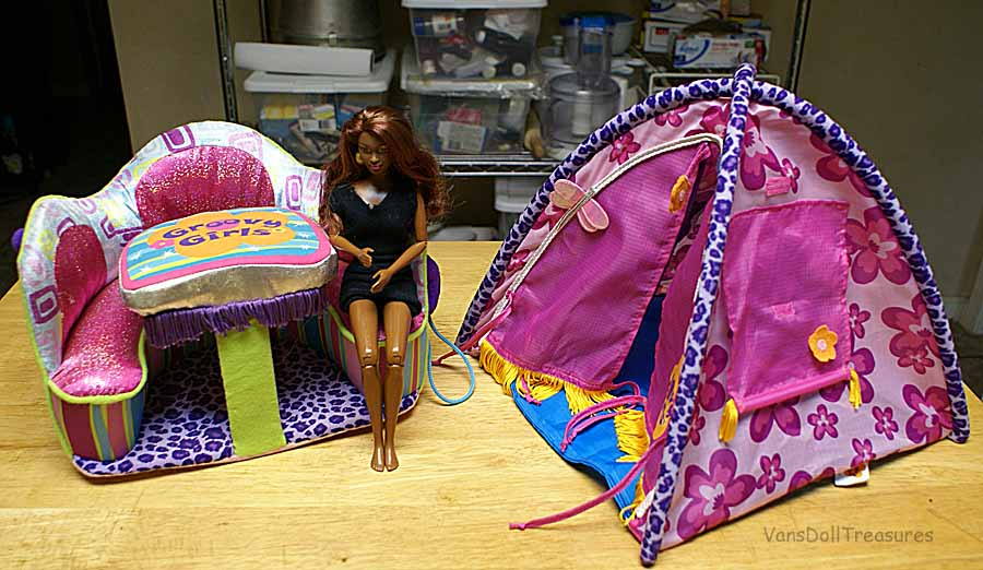 I found a Groovy Girls tent for $1.51. & Fashion Dolls at Vanu0027s Doll Treasures: More Thrift Store Goodies