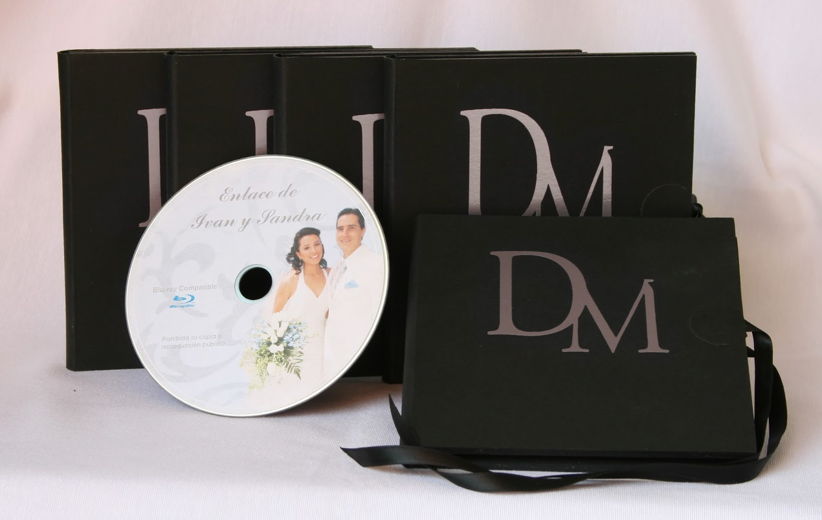 Conjunto de 4 estuches 1 DVD  Basic