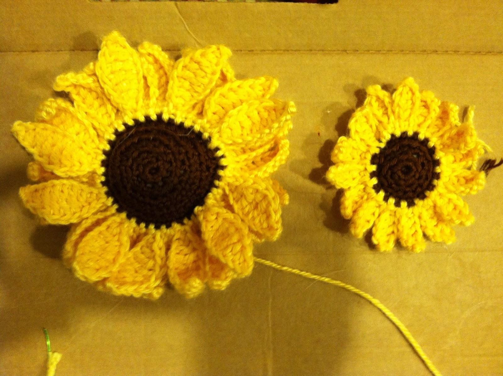Sunflowers Amigurumi Crochet Pattern Plant : Everything Amber Skye: Small Crochet Sunflower (Pattern ...