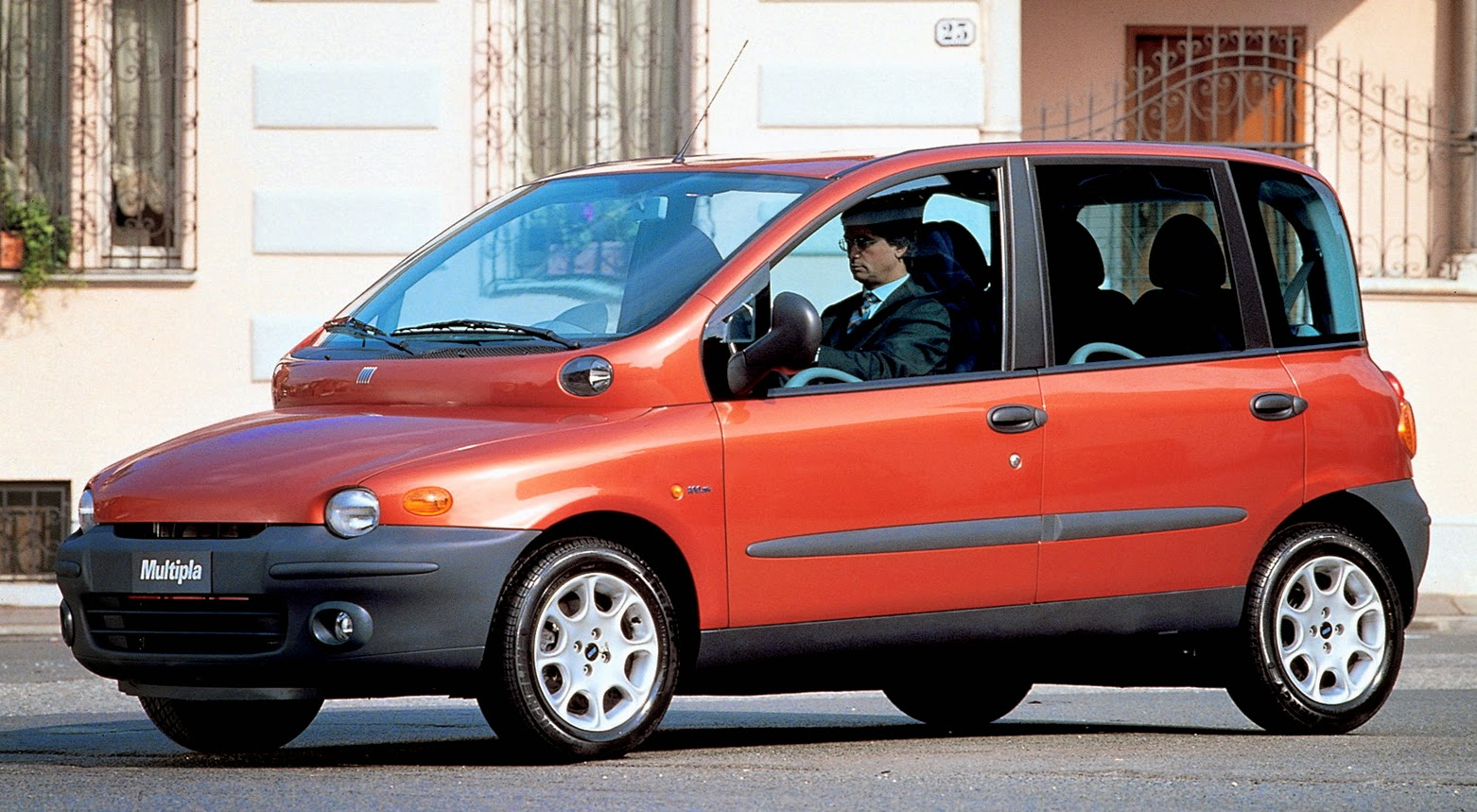 Car Style Critic: Fiat's Ugly Turn-of-the Century Multipla