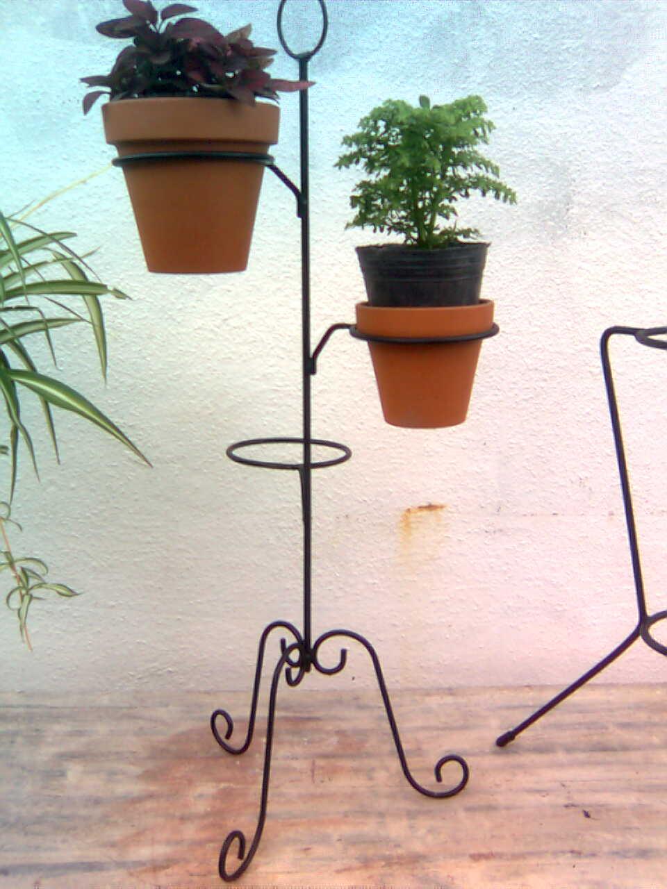 Martina fierro cosas de hierro soportes para macetas - Maceteros de hierro ...