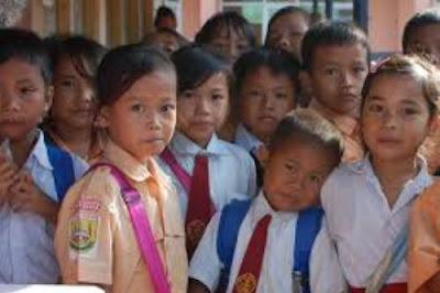 Peran Masyarakat Terhadap Keberhasilan Pendidikan
