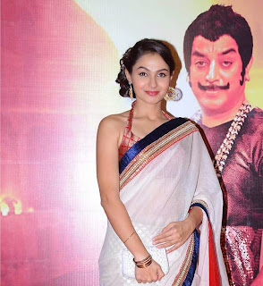 Andrea Jeremiah in Lovely Transparent Saree and Spicy Blouse