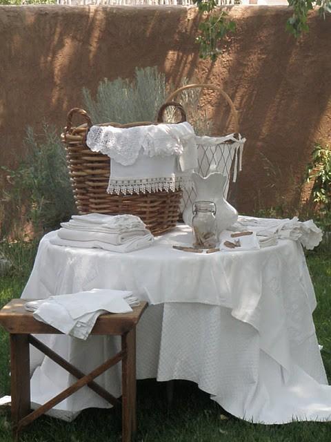 fussy french french linge de maison. Black Bedroom Furniture Sets. Home Design Ideas