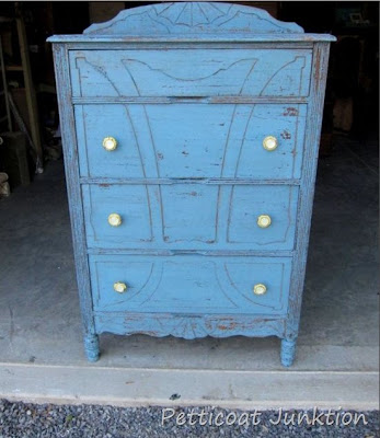Vintage Chest of Drawers Makeover