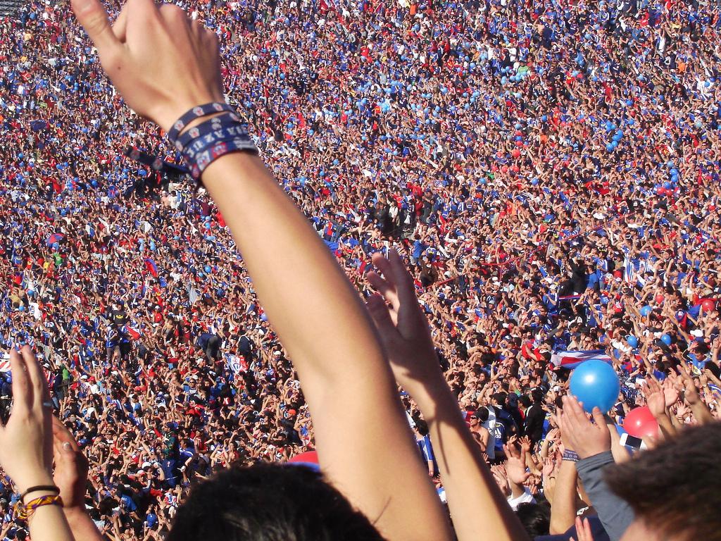 http://4.bp.blogspot.com/-jq-5lb47NUA/TzlfL5MLpzI/AAAAAAAABWA/oTaOULitJd0/s1600/gente_Universidad_de_Chile.jpg