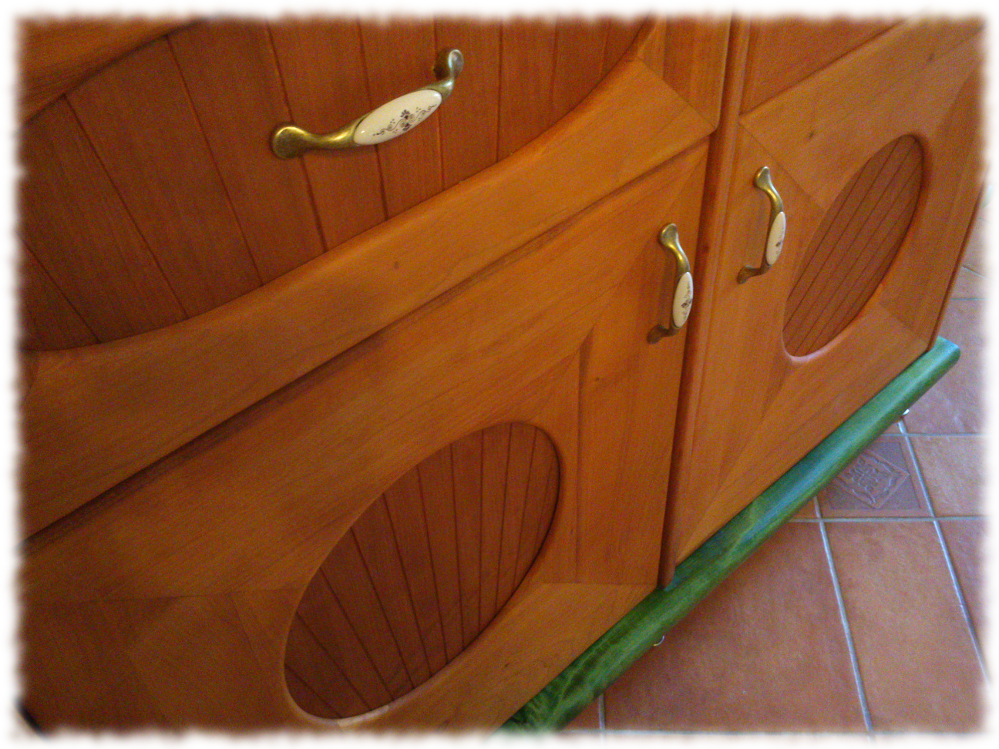 tálaló részlet - sugaras ajtóbetétek
