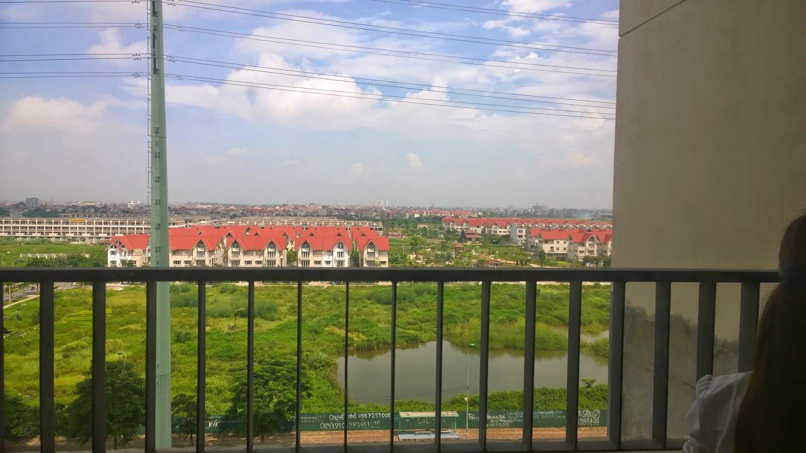 Căn hộ view ra đường Lê Văn Lương