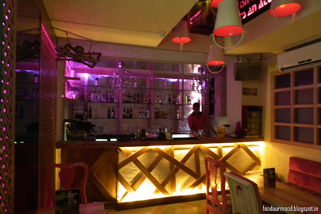 The Pink Room, Restaurant, hauz khaz village