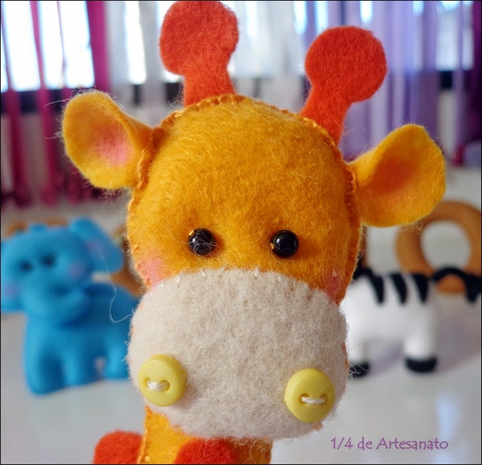bichinho safári girafa em feltro