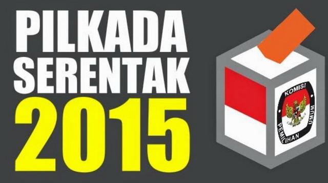 Pada 9 Desember 2015 akan diselenggarakan Pemilihan Kepala Daerah (Pilkada) serentak di 269 daerah. Berdasarkan data di situs KPU, Pilkada serentak diikuti oleh 830 pasangan calon (paslon). Sebanyak 20 paslon di 9 propinsi, 698 paslon di 224 kabupaten dan 112 paslon di 36 Kota.  Gagal Mewujudkan Tujuan  Mendagri Tjahjo Kumolo dalam Rakornas Persiapan Pilkada Serentak 2015 di Jakarta (4/5) menyatakan, anggaran Pilkada serentak mencapai Rp 6,745 triliun untuk 269 daerah. Angka itu lebih mahal sekitar 30% dari anggaran Pilkada sebelumnya. Menurut dia, Pilkada serentak, sesuai tujuannya, adalah untuk efektifitas dan efisiensi. Namun faktanya, Pilkada serentak justru jauh lebih mahal.  Di sisi lain, menurut Titi Anggraini, Direktur Eksekutif Perkumpulan untuk Pemilu dan Demokrasi (Perludem), angka partisipasi masyarakat dalam Pilkada, termasuk dalam Pileg dan Pilpres, beberapa tahun terakhir cenderung turun (Viva.co.id, 16/11/2015). Menurut dia, itu terjadi karena jarak antara Pilkada, Pileg dan Pilpres terlalu dekat. Pemilih jenuh. Namun, Pilkada serentak tampaknya juga akan gagal mendongkrak tingkat partisipasi pemilih. Tingkat partisipasi pada Pilkada Serentak diprediksi akan turun. Tingkat partisipasi bisa mencapai 60% saja sudah dianggap bagus.  Tak Sesuai Aturan  Pilkada serentak juga membawa cacat besar karena tak sesuai aturan. Sesuai aturan, ambang batas keterpilihan dalam Pilkada adalah 30%. Artinya, pasangan calon yang mendapat suara minimal 30% pada ranking tertinggi bisa disahkan sebagai pemenang Pilkada. Putaran kedua hanya akan dilakukan jika tak satu pun calon meraih suara sah 30% ke atas. Ketentuan ini menyimpang dari rumus 50% + 1 yang menjadi acuan universal demokrasi tentang keterwakilan mayoritas yang sah.  Hasilnya, pemerintahan daerah sebenarnya didukung oleh minoritas. Andai pemenang mendapat suara 35%, artinya dia hanya didukung 35% dari pemilih yang memilih, 65% sisanya tidak mendukung dia. Jika ditambah dengan jumlah pemilih yang golput, dukung