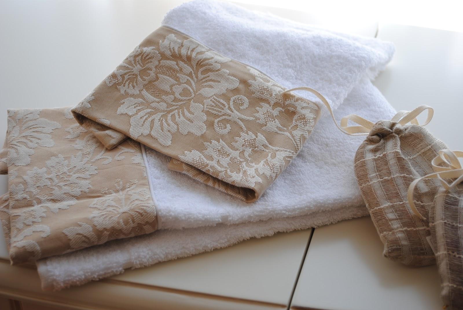 Paz montealegre decoraci n toallas cortinas de ba o - Toallas de bano baratas ...