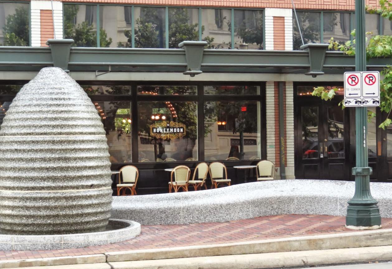 Honeymoon Restaurant and Bar in Downtown Houston