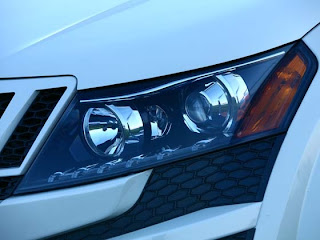 Mahindra XUV 500 front lights