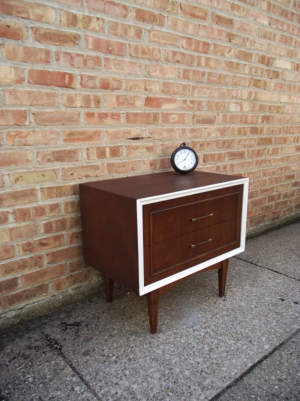 Vintage Ground Mid Century Retro Style Nightstand Side Table