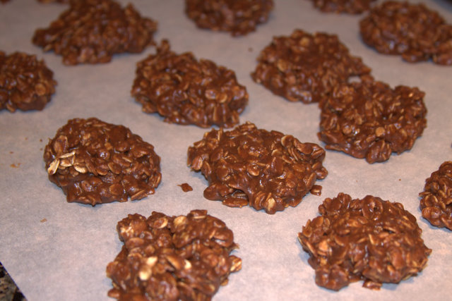 Recipes We Love: No Bake Cookies (Chocolate Oatmeal Cookies)