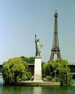 estatua libertad parís