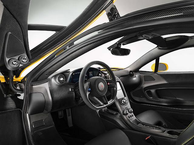 McLAREN P1™ interior