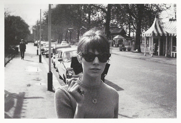 Jane Birkin, 60s icon, style muse, cat eye sunglasses, ribbed turtleneck