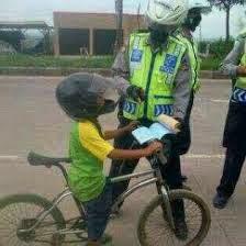TIPS DITILANG POLISI LALU LINTAS!