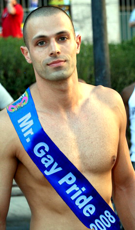 single gay men in blue ridge Blue ridge pride educates, promotes, and celebrates the lgbtq community in  asheville and western north carolina campaign for southern equality, based.