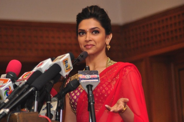 deepika-at-rajini-film-rana-press-meet
