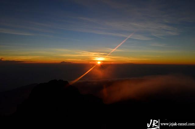 """Rinjani Sunrise"""