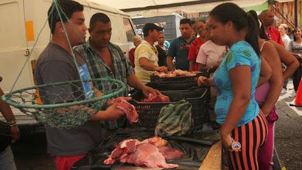 En Guatire carniceros y polleros no consiguen precios regulados