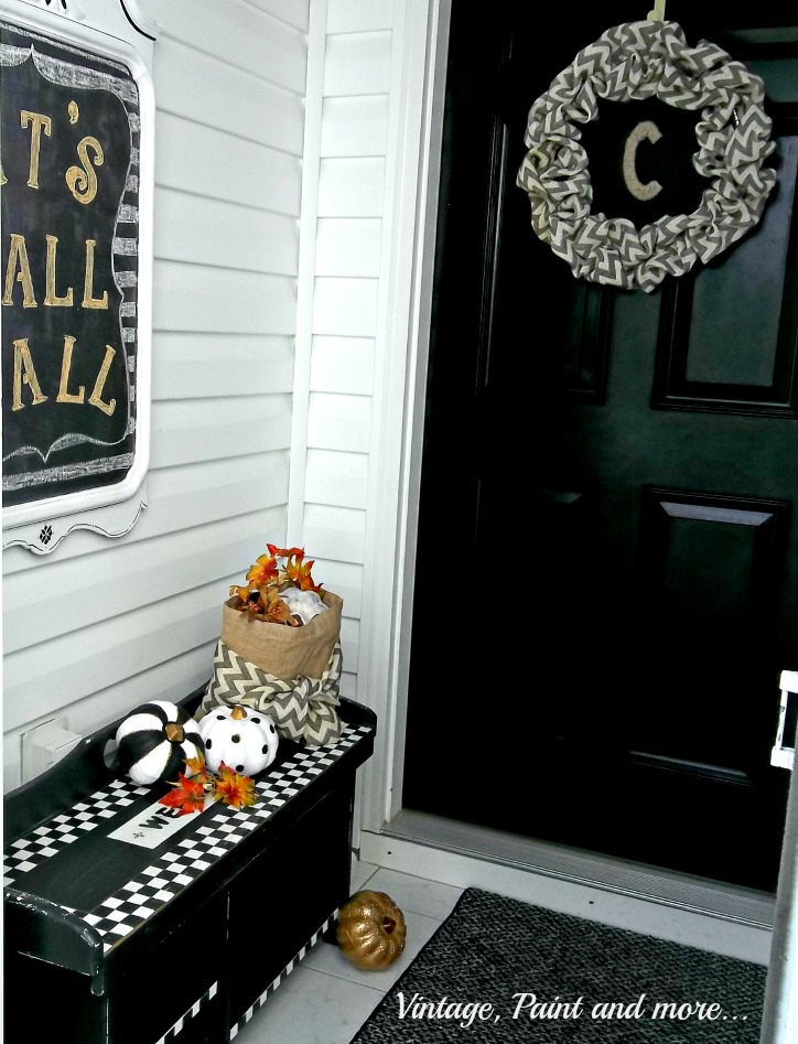 Vintage, Paint and more... vintage entry done with black and white geometric design