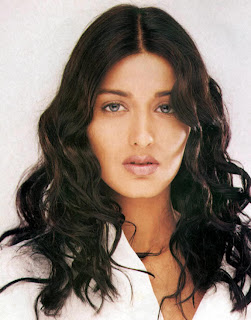 Sonali bendre popular Indian hot and sexy Actress photos