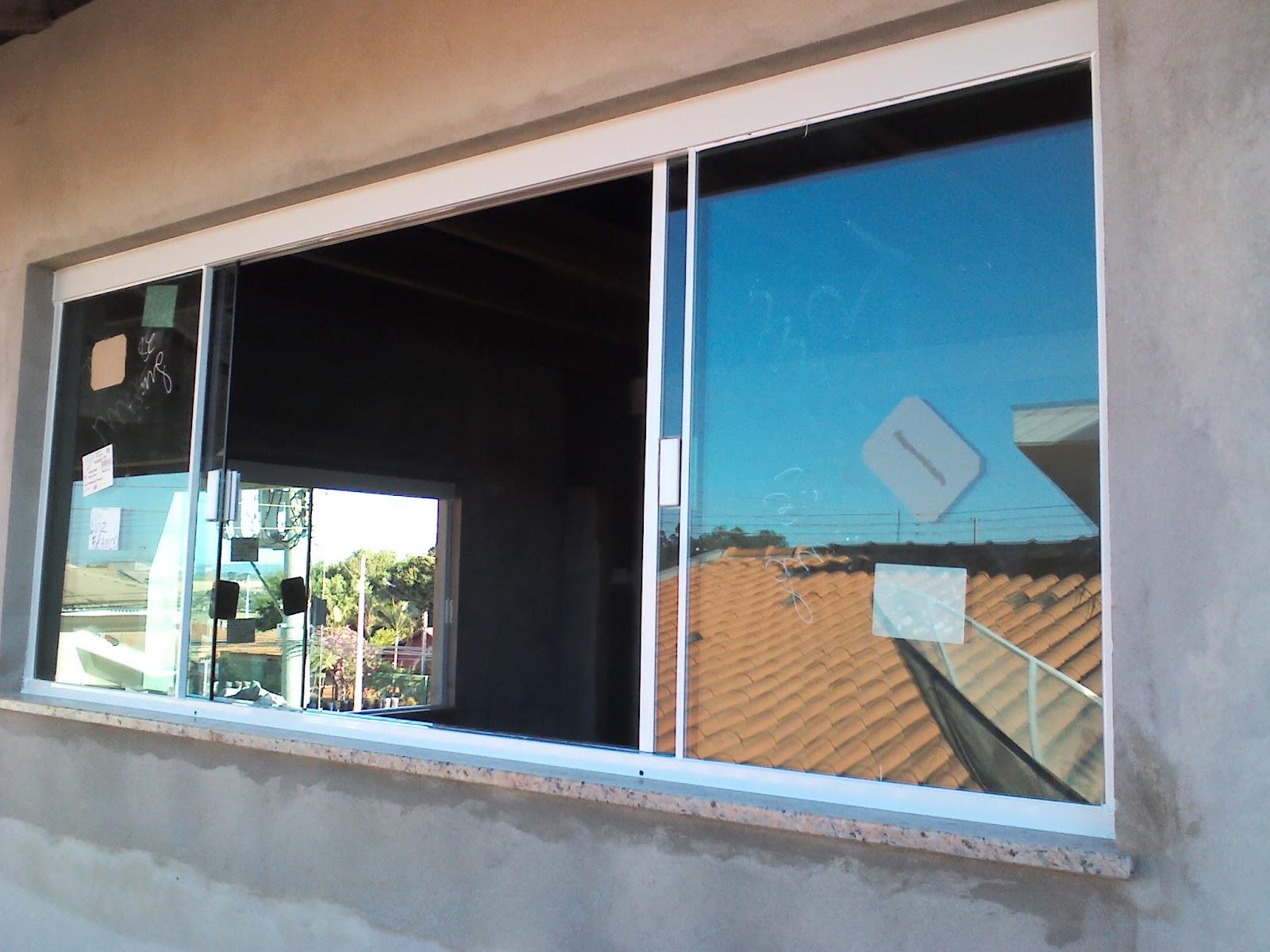 #2B7DA0 Fechamento da Janela em vidro Verde 08mm com perfil de instalação na  108 Janelas De Vidro Em Recife
