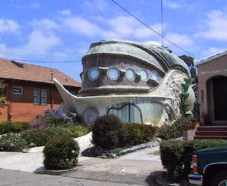 Rumah berbentuk Ikan - California